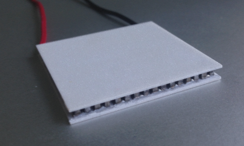 High performance Thermoelectric Peltier Module with semiconductors and ceramic plates and wires
